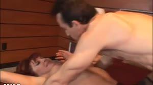 Milfs - Geile cougar laat zich hard anaal afpalen